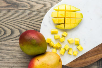 mangos, why are mangos good for you, eating mangos